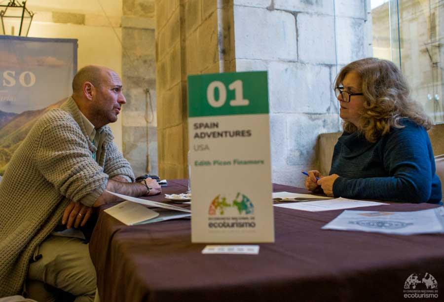 mesa de contratación del congreso de ecoturismo